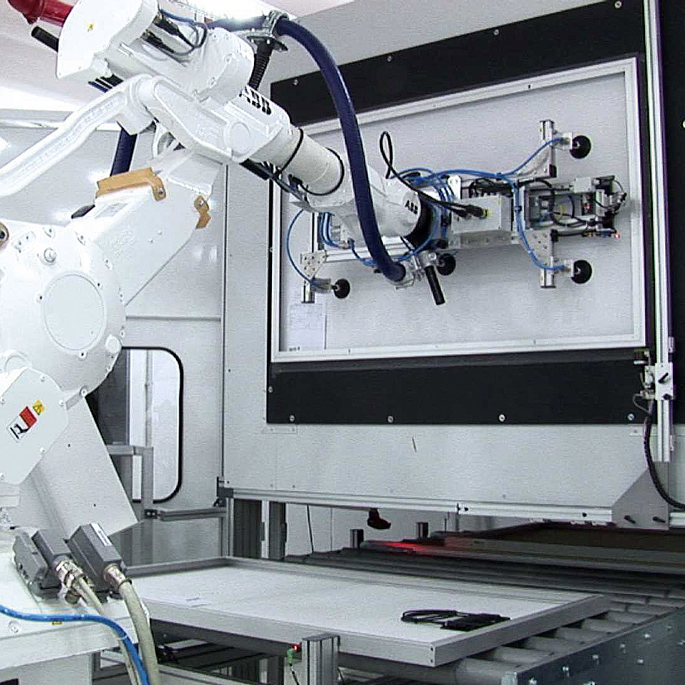 Mass production of solar modules - Made in Germany - Astronergy GmbH ...
